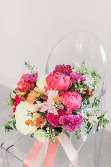 BRIGHT-HUED SOUTHERN WEDDING
