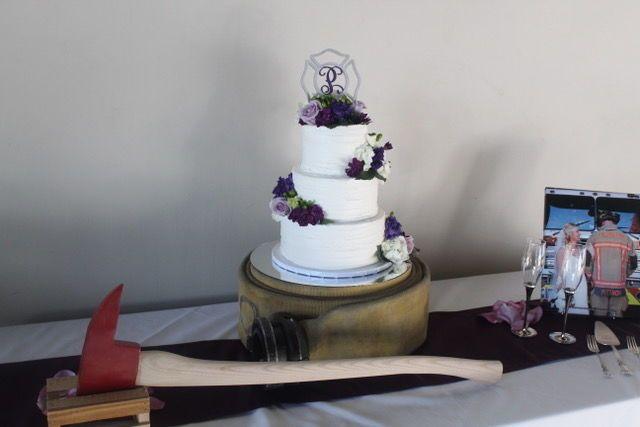 Tmx 1516563314 69e5cc4c5afd77f2 1516563314 A7965bf3c529ee06 1516563308907 2 372A4B59 1FE6 4B93 Arlington, TX wedding cake