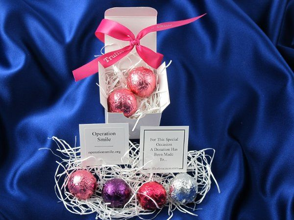 Boxed foil assorted favors