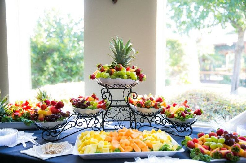 Assorted fruit display.