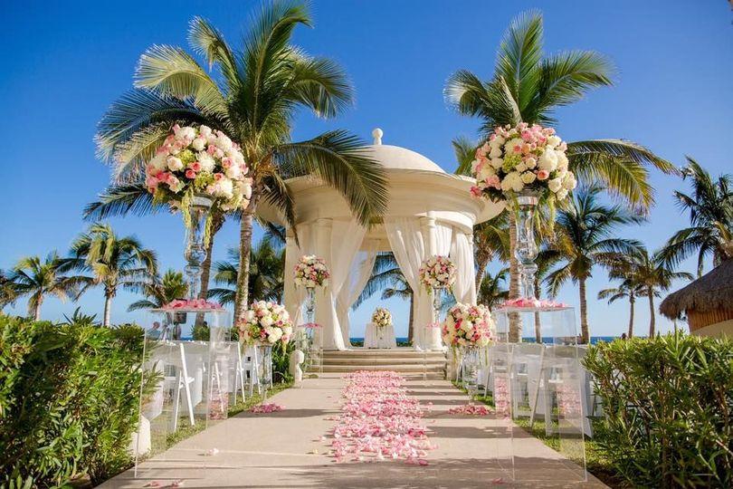 8abeac1b8064da4f 1537471128 539922a447b38eb5 1537471125197 10 ziva wedding