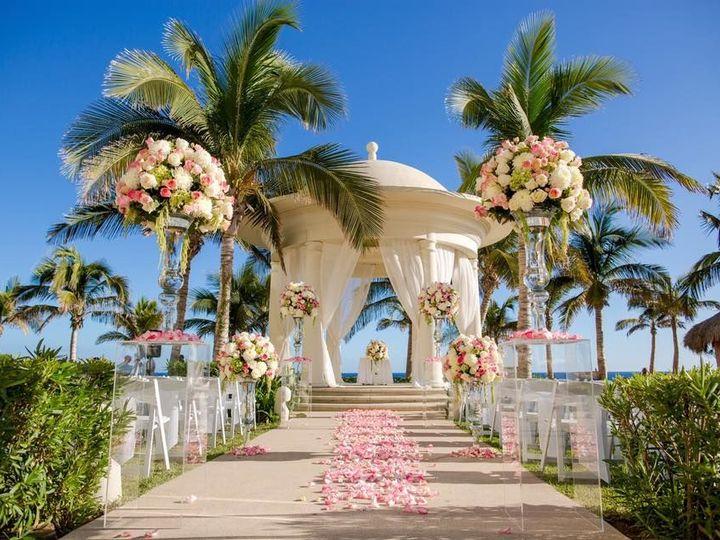 Tmx 1537471129 8abeac1b8064da4f 1537471128 539922a447b38eb5 1537471125197 10 Ziva Wedding Hanover, MA wedding travel