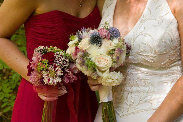 Tmx 1233937345218 MonaAndMike 2bouquets Bellingham wedding florist