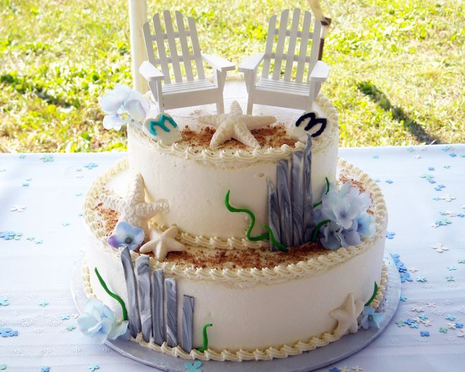 Beach chair wedding cake