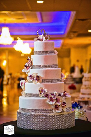 Wedding cake with flower decors