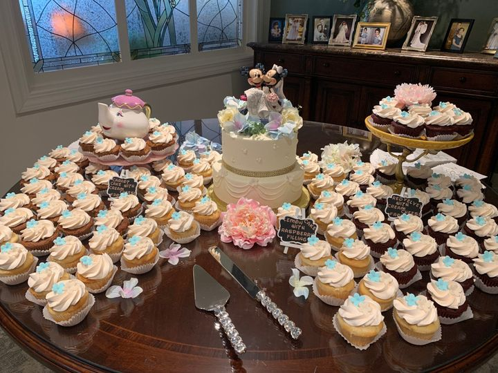 Disney cupcake wedding