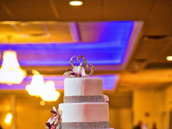 Tmx 1497543961359 06 Id 45456d23 9ce3 4349 E0e1 3b81241dc355 Id D663 Somerset, MA wedding cake