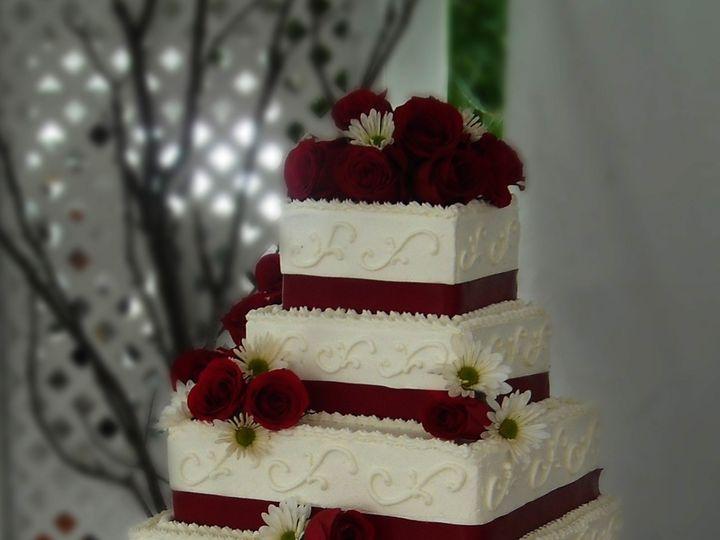 Tmx 1497543978105 28 Id 42b07bdf 927a 4883 E8b7 1cefb7c5a3ed Somerset, MA wedding cake