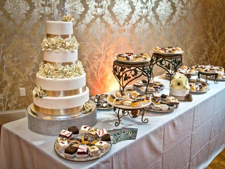 Tmx Eip 0081 51 90960 157400935317569 Somerset, MA wedding cake