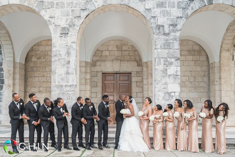 Lovely bridal party in Jamaica
