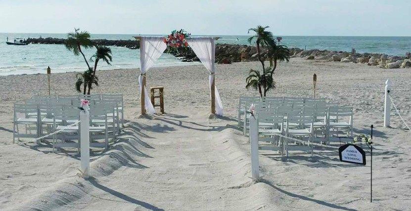 sand key wedding ceremony setup at the jetty 51 741960 1559234774