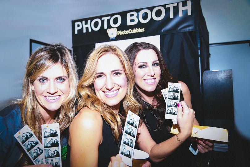 photocubbies photo booth rentals la party pics