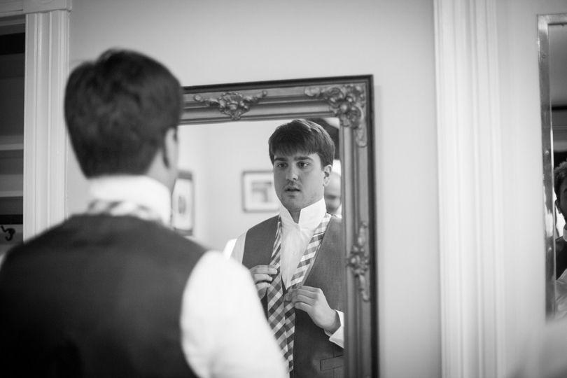 Groom getting ready | Keane Eye Photography