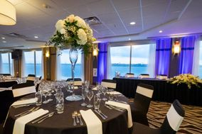 The Niagara Riverside Resort