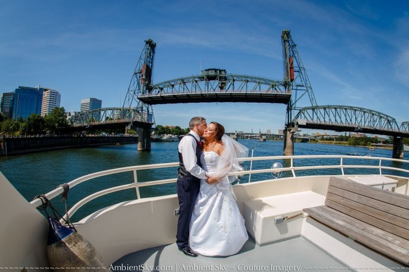 Newlyweds & Hawthorne Bridge
