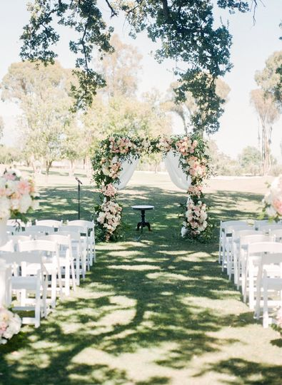 Aisle and arch setup