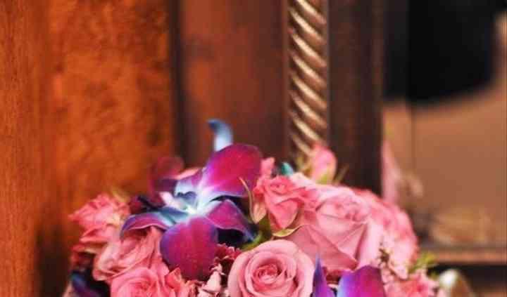 Monica's Brides & Touch of Glitz Flowers