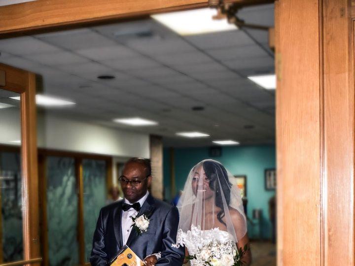 Tmx 1537136754 03cecc5cb6390c6d 1537136751 F75c11bda2303d97 1537136745974 16 6D417786 41A6 456 Chesapeake, VA wedding photography