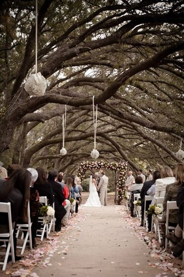 Vintage Wedding at Oak Hallow