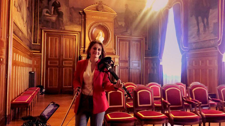 Euterpe Paris Violinist Civil
