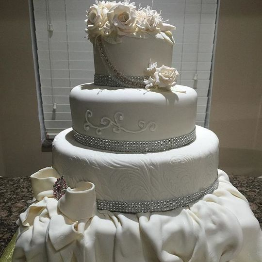 Sam Wedding Cake.Sam S Designer Cakes And More Inc Wedding Cake Homestead Fl