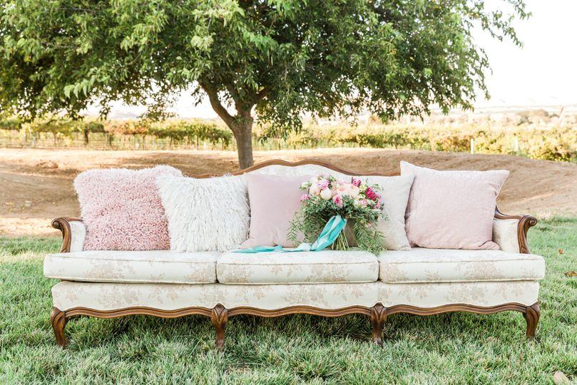 Begonia sofa