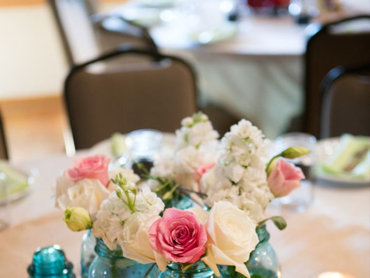 Tmx Flowers Table Top3 51 908170 Ann Arbor, Michigan wedding rental