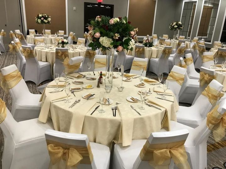 Tmx 1532445861 52d112376e7ddc88 1532445860 08181df9917d1144 1532445860242 2 Fancy Seats 2 Wernersville wedding rental