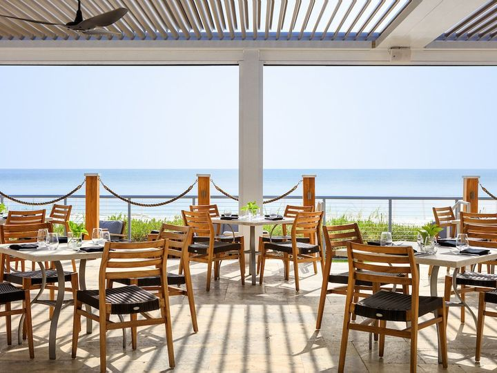 Tmx Vero Beach Rest Patio 02 51 161270 160009531117211 Vero Beach, FL wedding venue