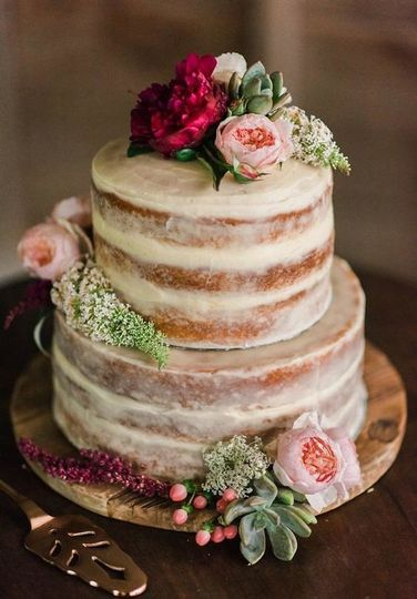 tier naked cake