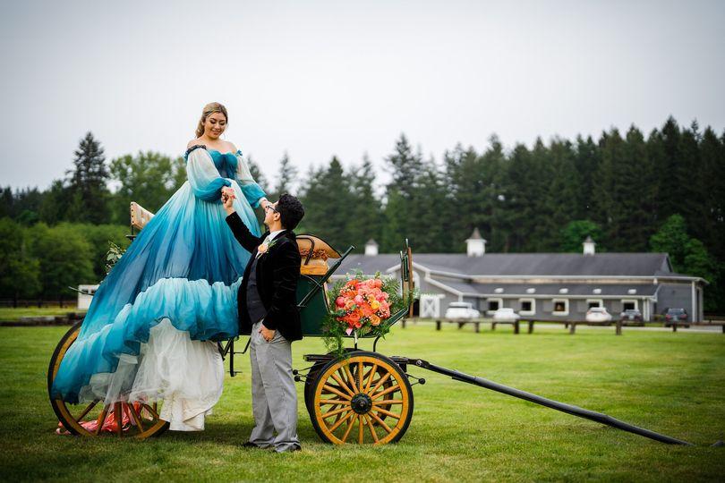 Bridal bouquet horse buggy