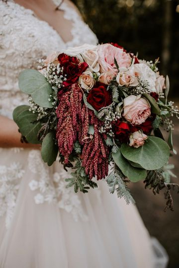 Blush and burgundy bouquet