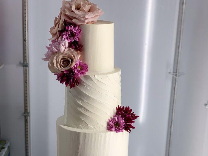 Tmx Fullsizeoutput 52cb 51 1005270 1567969972 Manteca, CA wedding cake