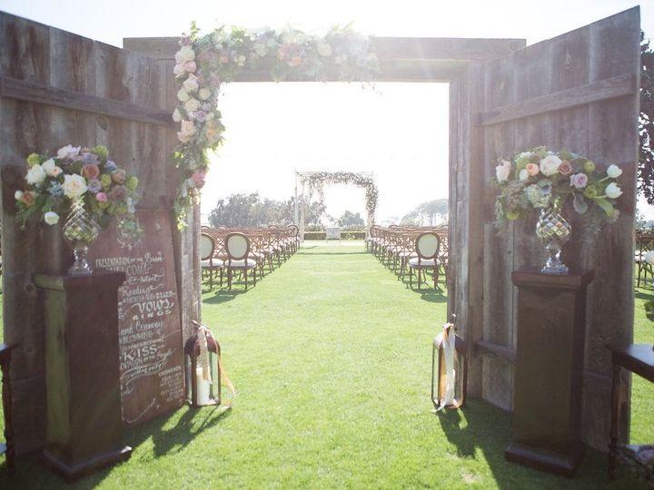 Tmx 1516334005 0fba8a6855909627 1516334004 38bbbcf975e2d18d 1516334004520 5 Wheeler  173 Encinitas, CA wedding florist