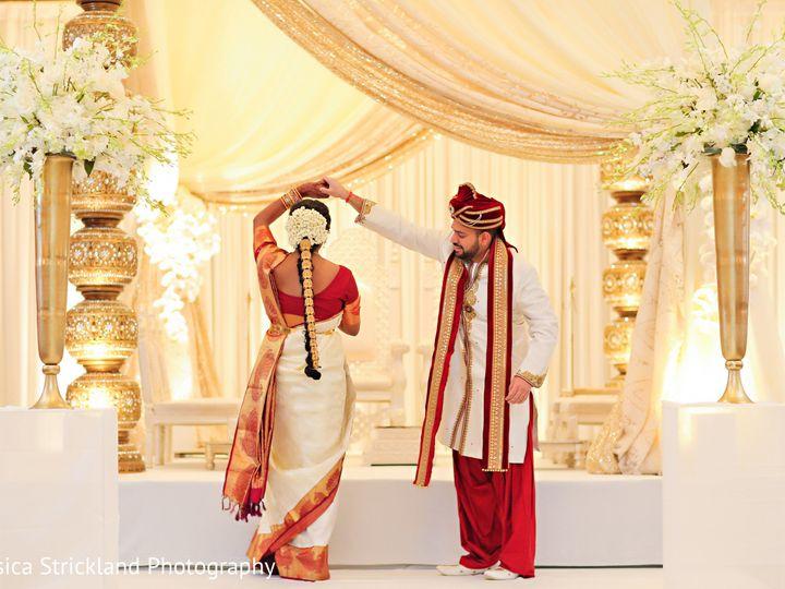 Tmx 1524005870 41f6bd2ddd2b0f37 1524005866 E74dbfa15bf52429 1524005864176 4 123254 Anu Paras B Greenwood, IN wedding beauty