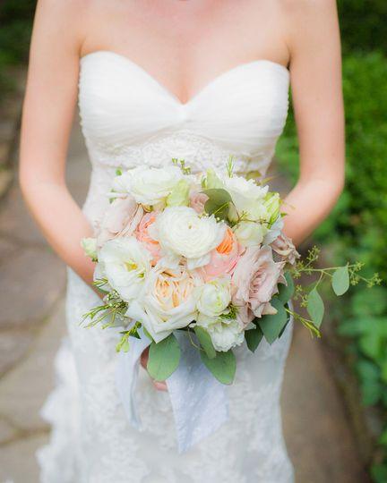 personal bouquet blush round