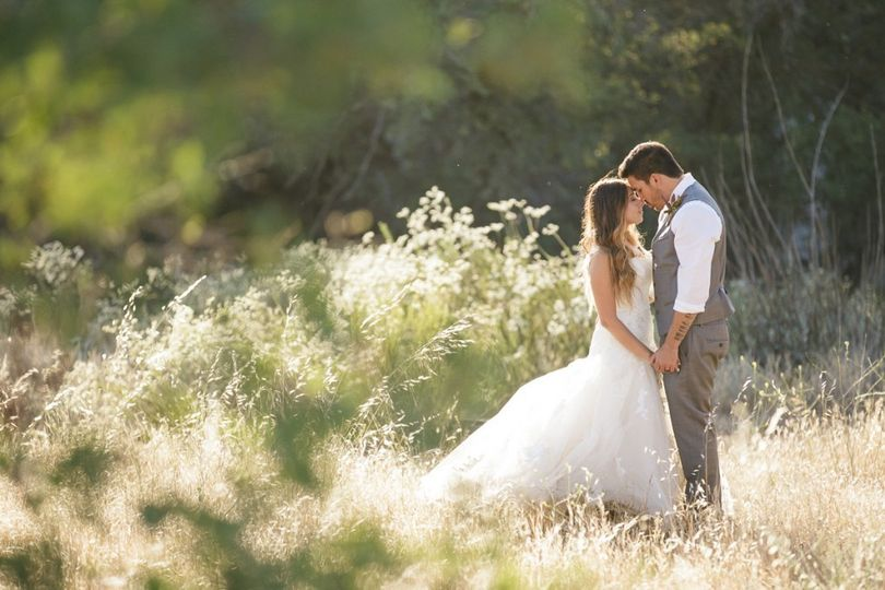 san diego outdoor wedding photo idea taylor abeel