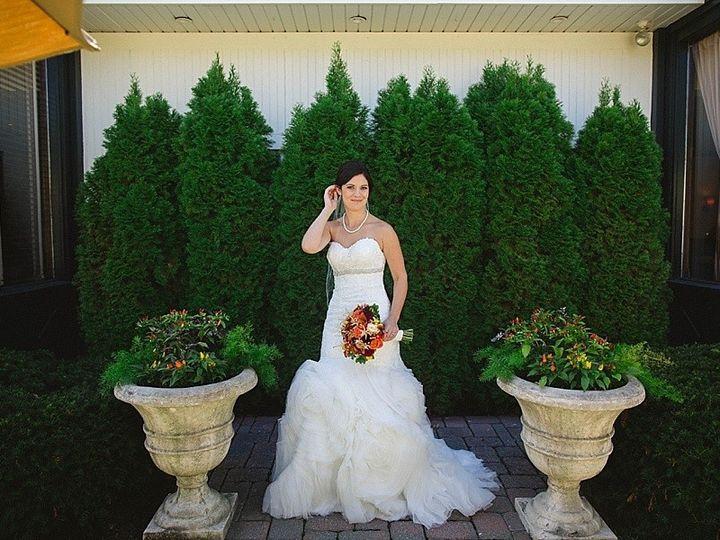 Tmx 1456346581973 Bride In Front Of Bella Leola wedding venue
