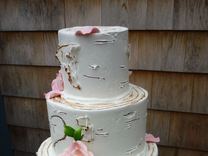 Tmx 1525294688 Fda0bfcfd1738132 1525294680 462c4eca7800dc31 1525294698787 27 Rose Birch Weddin Rochester wedding cake