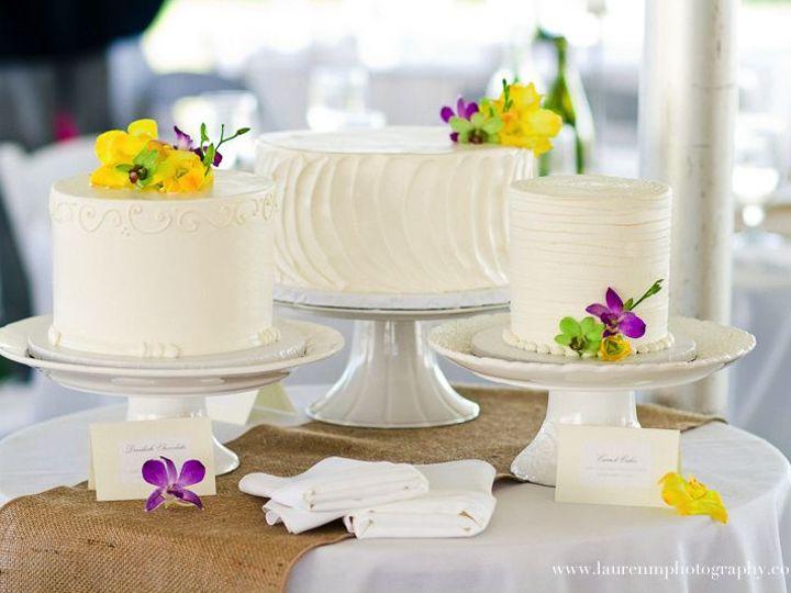 Tmx 1525296566 58cd33dd35578749 1525296564 D0a279dca67c6f72 1525296582119 32 27 Buttercream We Rochester wedding cake