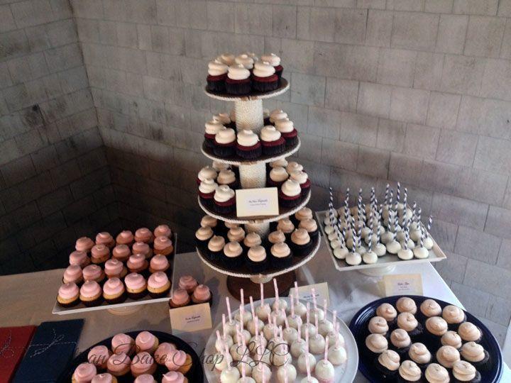Tmx 1525296566 74f53b8734f395dd 1525296565 3e18780539a060fd 1525296582120 34 31 Shining Tides  Rochester wedding cake