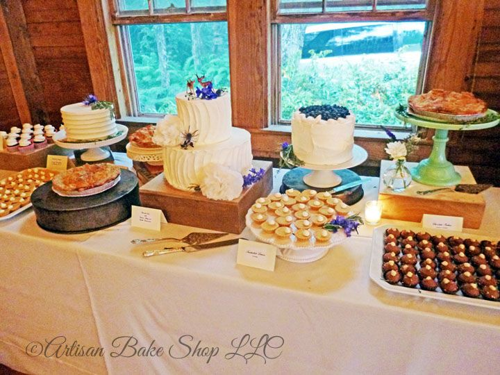 Tmx 1525296566 Aeaa3f8bcd5dcd03 1525296565 5cad8e79dff0831e 1525296582122 35 32 Vintage Desser Rochester wedding cake