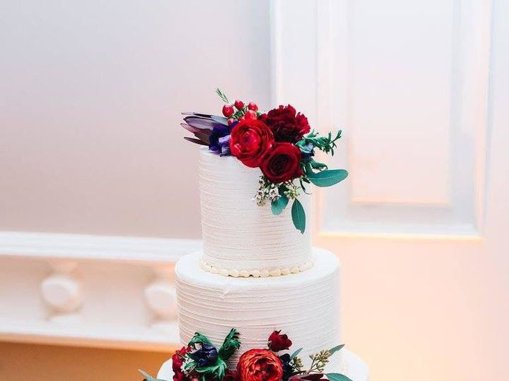 Tmx 1525296748 72d01d15218c3317 1525296747 3fde476aec55db77 1525296766772 2 Modified Cascade M Rochester wedding cake