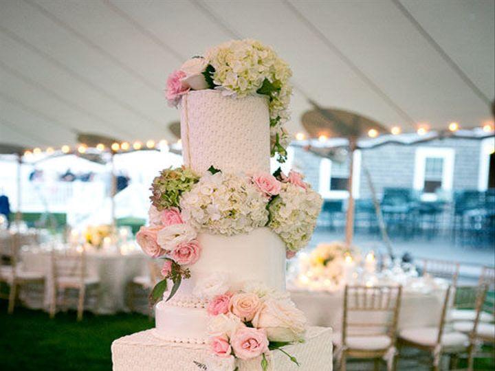 Tmx 1525296764 0c175850f13d25eb 1525296763 E6f17f79c29816e8 1525296783044 3 Modern Floral Casc Rochester wedding cake
