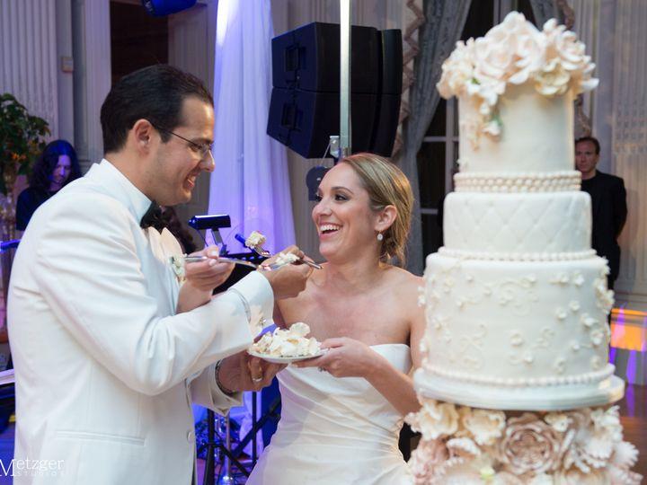 Tmx 1525296913 2af23e2ec6641789 1525296910 Ea4e40373edc12f4 1525296929529 12 085 Rochester wedding cake