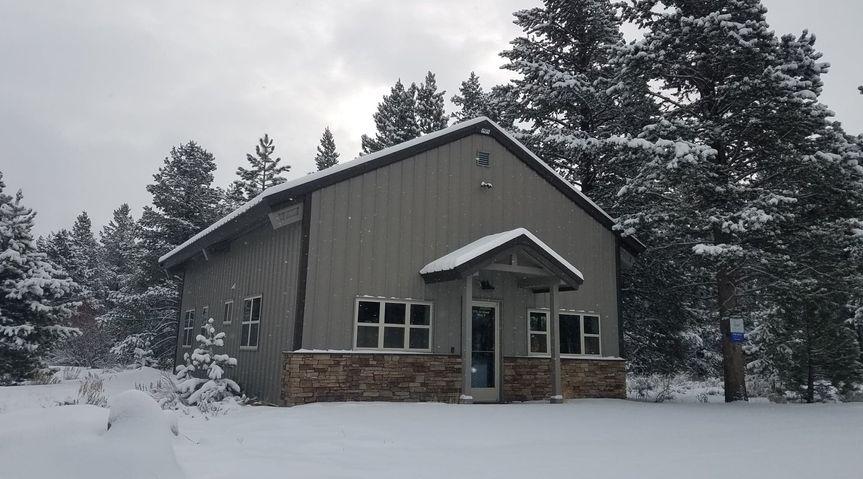 building in winter 51 321570 158387421838880