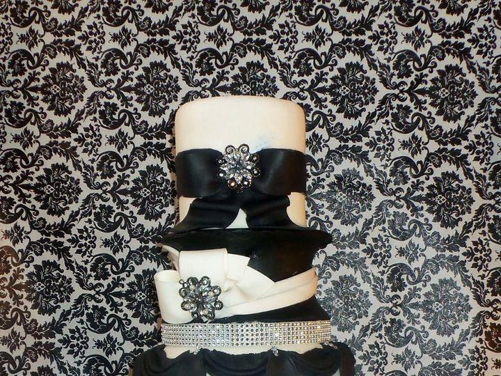 Tmx 1359570418132 BlackWhiteElegance Dover wedding cake
