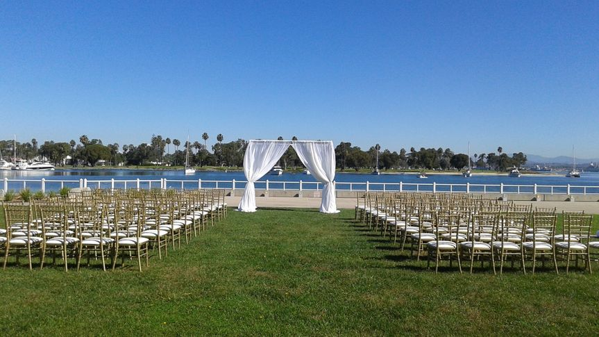 chuppa wedding w chiavari chairs