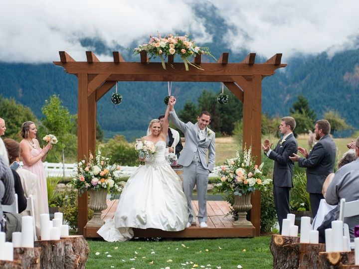 Tmx 1484353153468 15 0906actor 215 Lake Oswego wedding florist