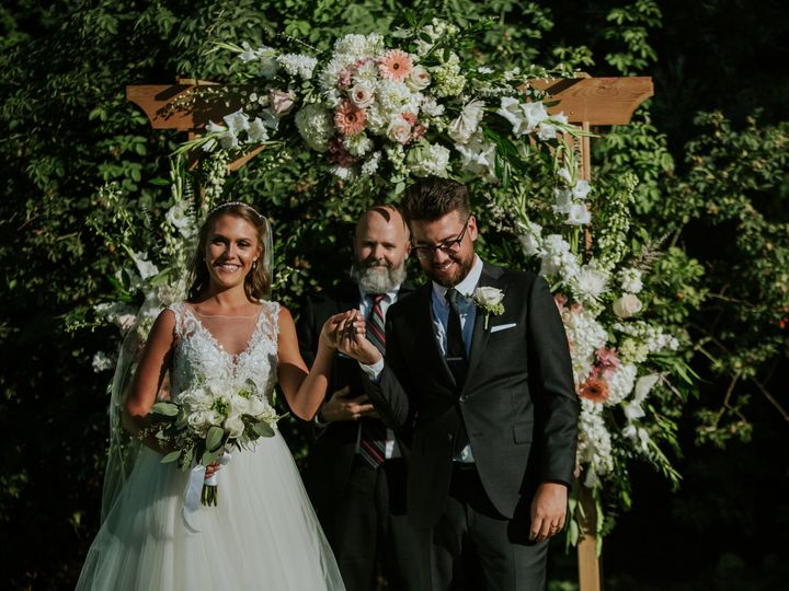 Tmx Allywilson 389 51 479570 V1 Lake Oswego wedding florist